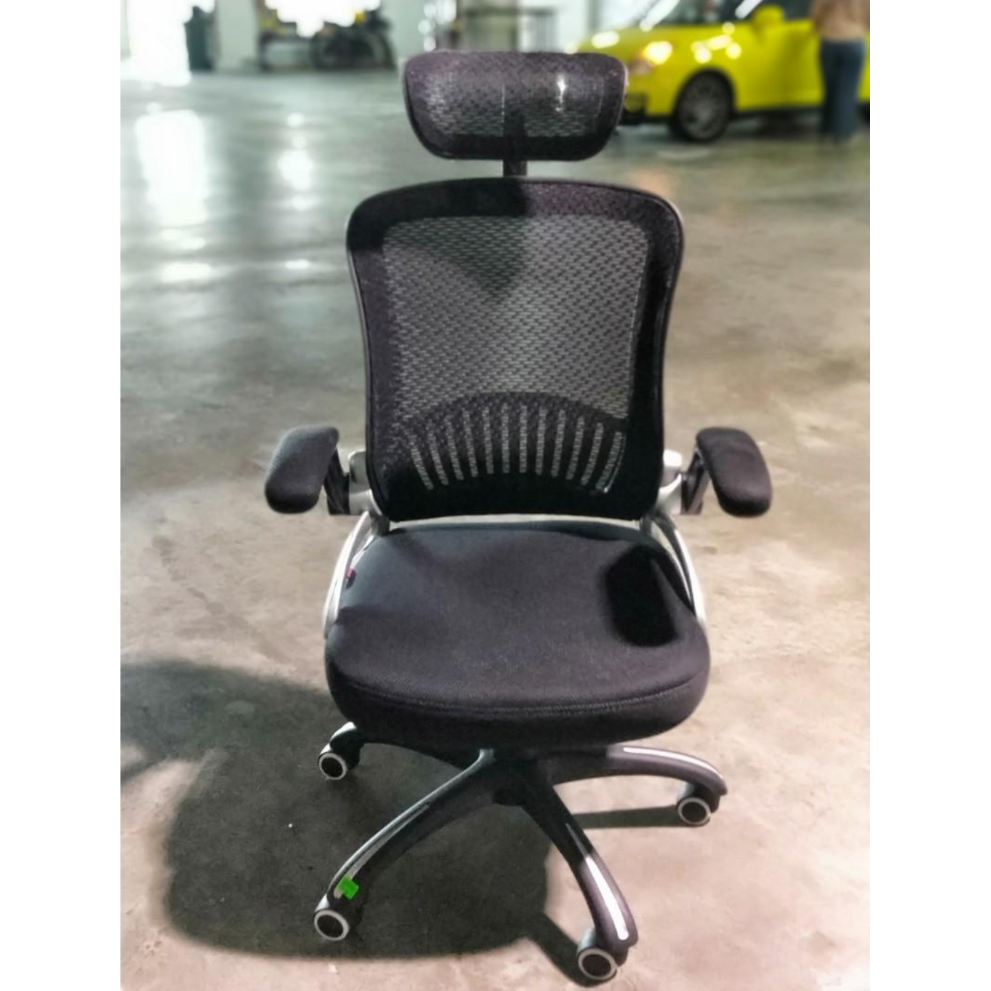YVAN Office Chair in BLACK