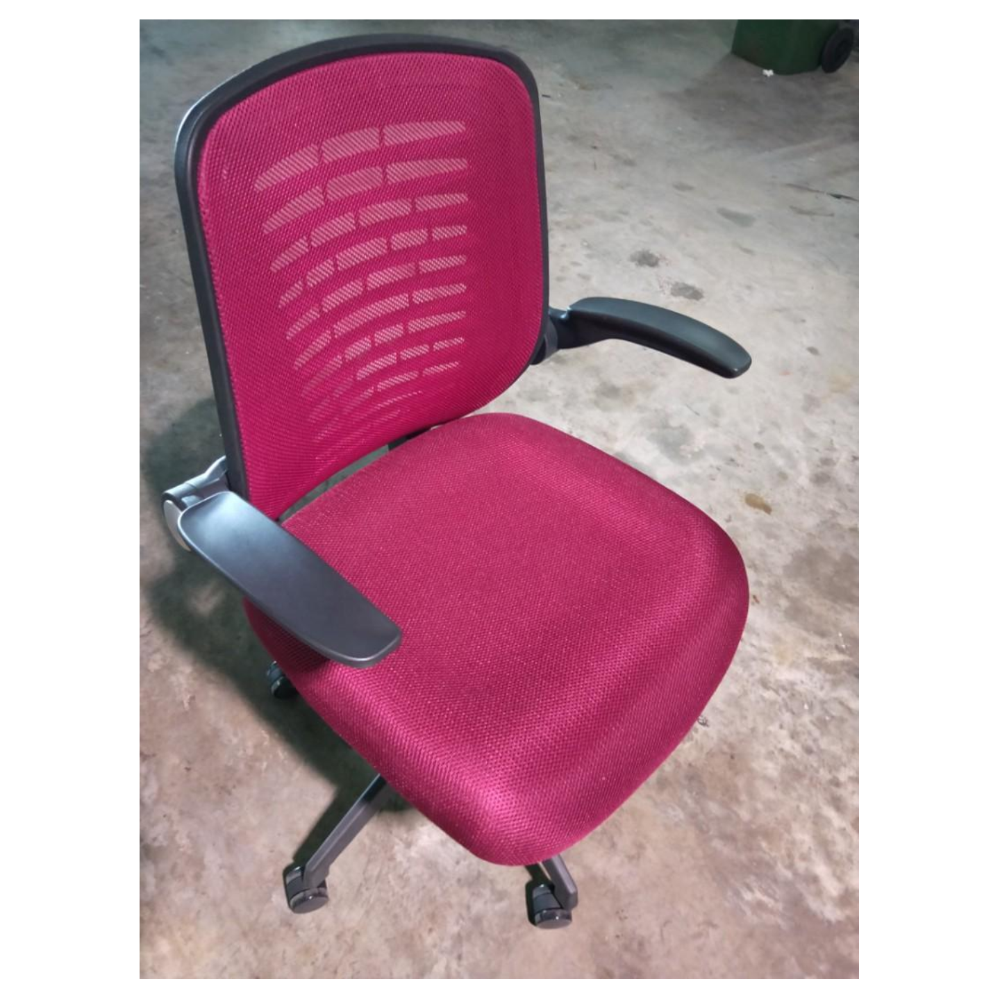 VANAMA Office Chair in MAROON
