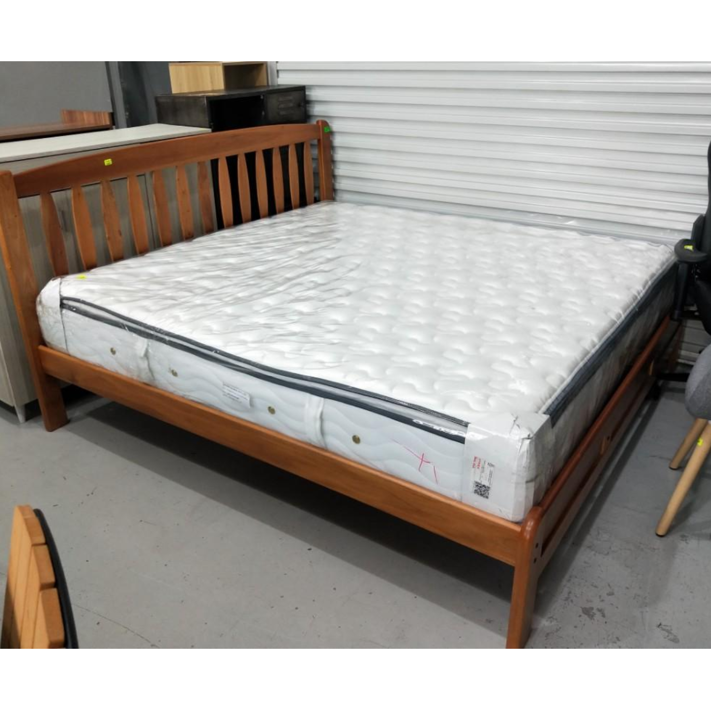 MOHAWK Wooden Bed Frame KING SIZE MATTRESS NOT INCL