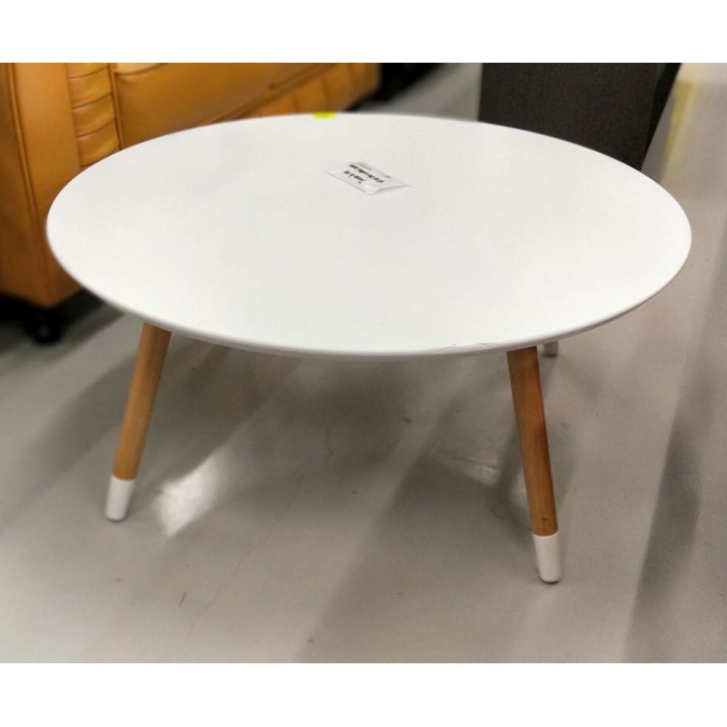 MODA Round Coffee Table in