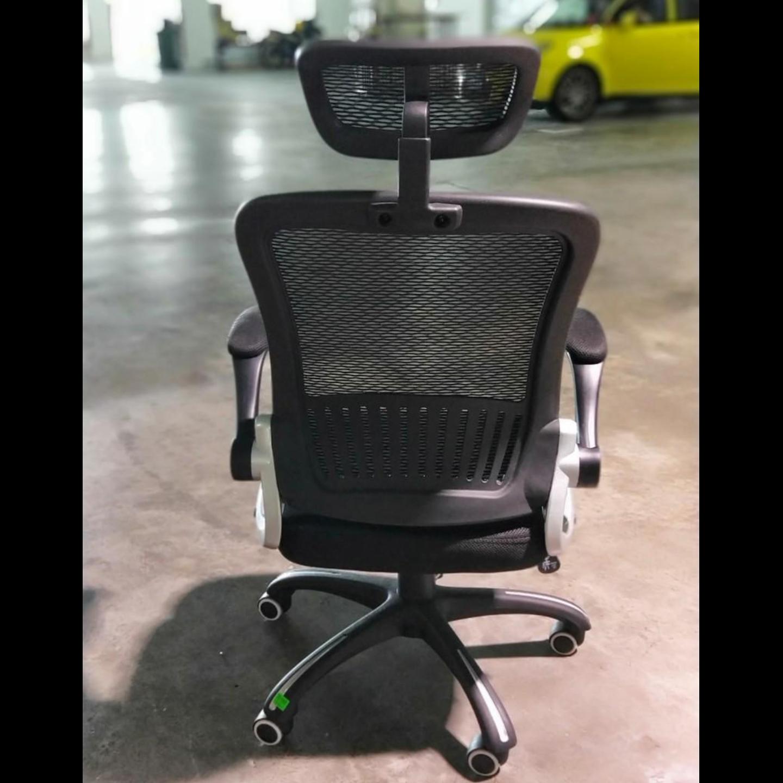 YVAN Office Chair in BLACK