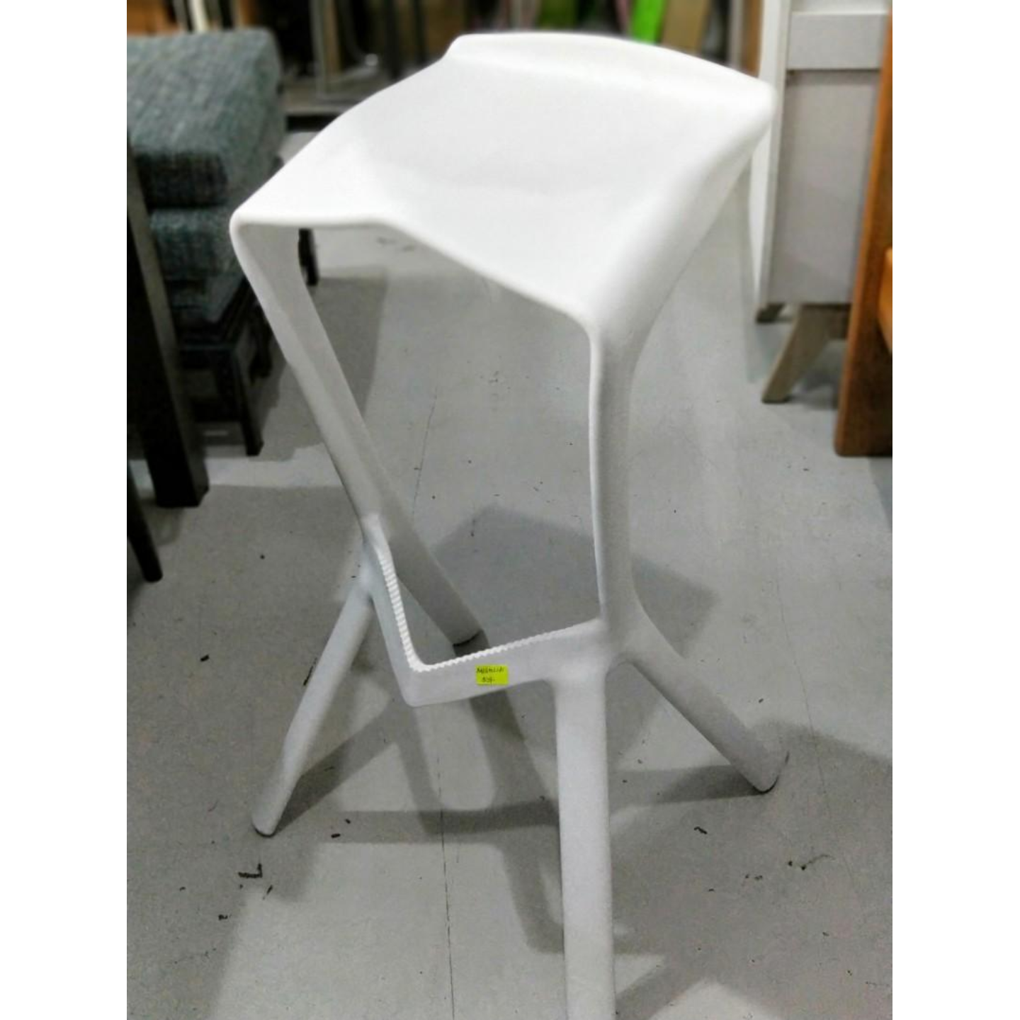 NITRO Bar Stool in WHITE
