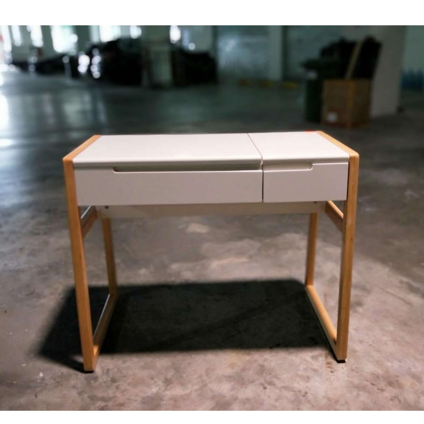 HEILE Dressing Table