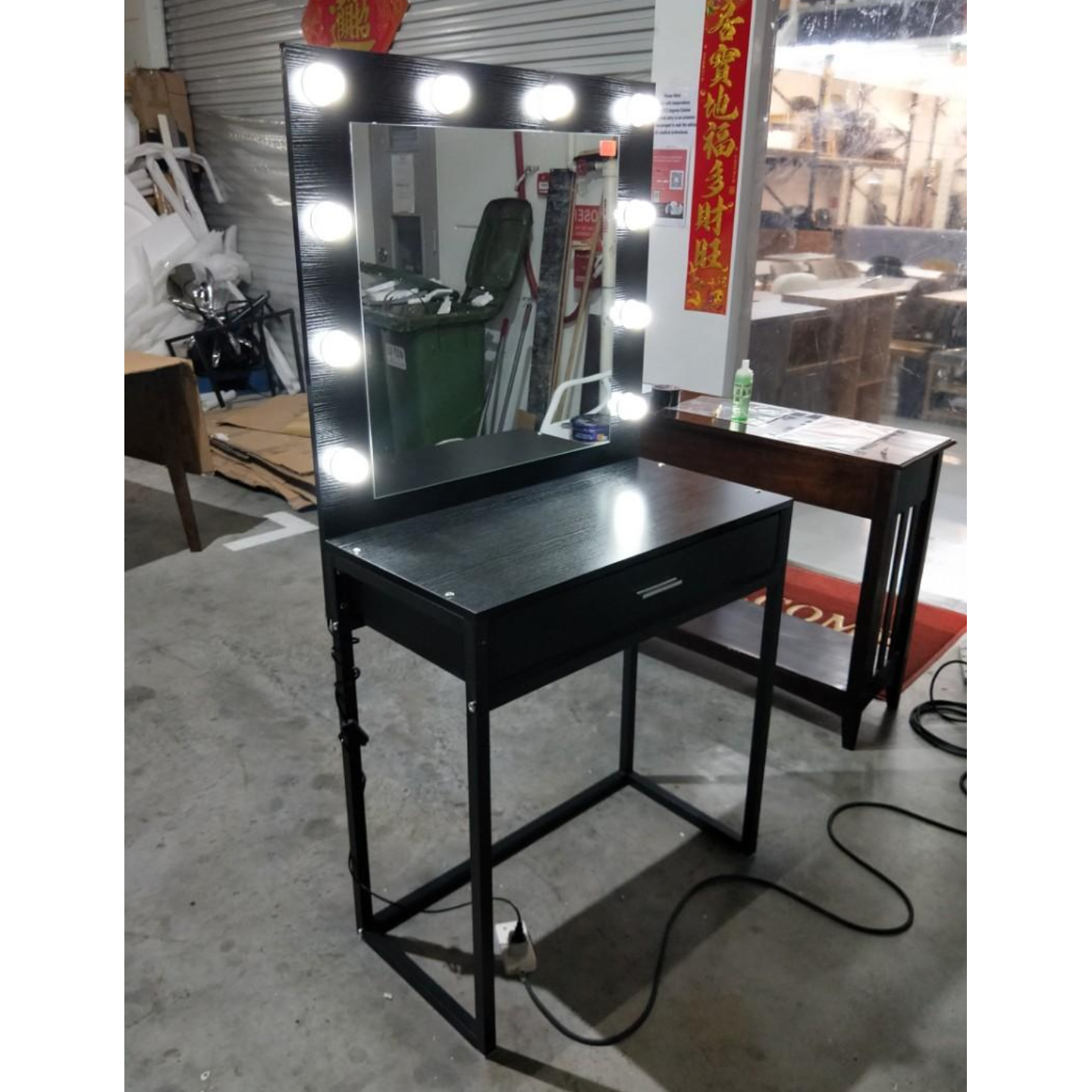 MOULIN Vanity Dressing Table with LED spotlights