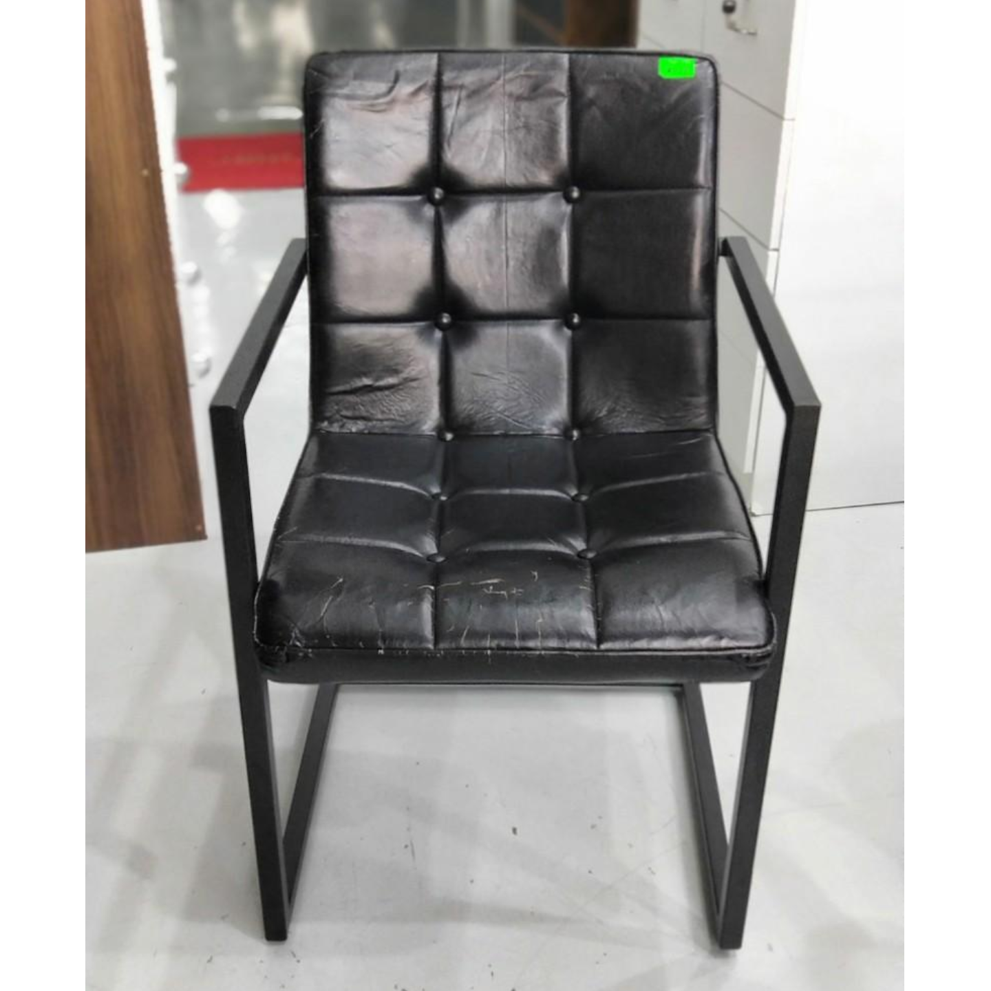 LARA INDUSTRI Series VINTAGE Armchair in BLACK