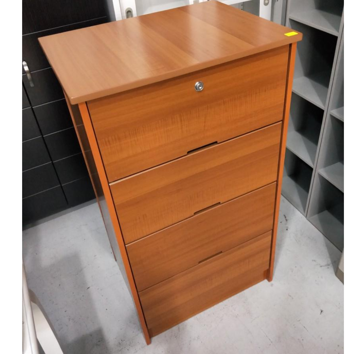 EVAN Chest of Drawers