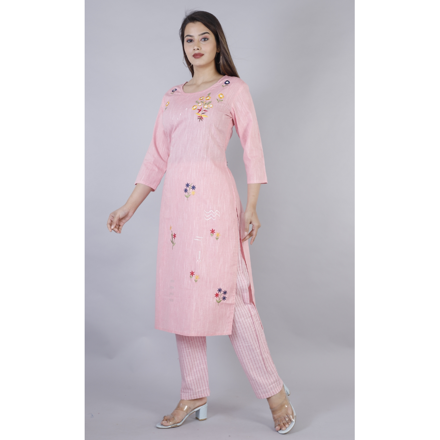 Women's Embroidered Cotton Kurta With Pant Set (Light Pink)