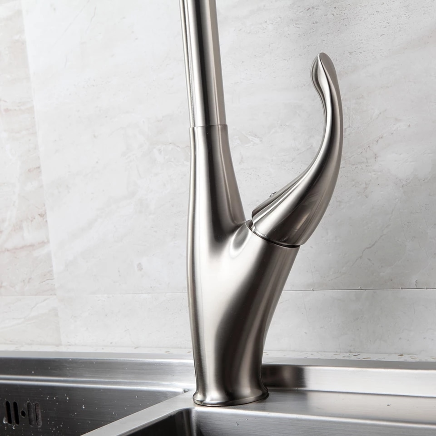 Pull Out Kitchen Tap Single Hole Handle Swivel 360 Degree