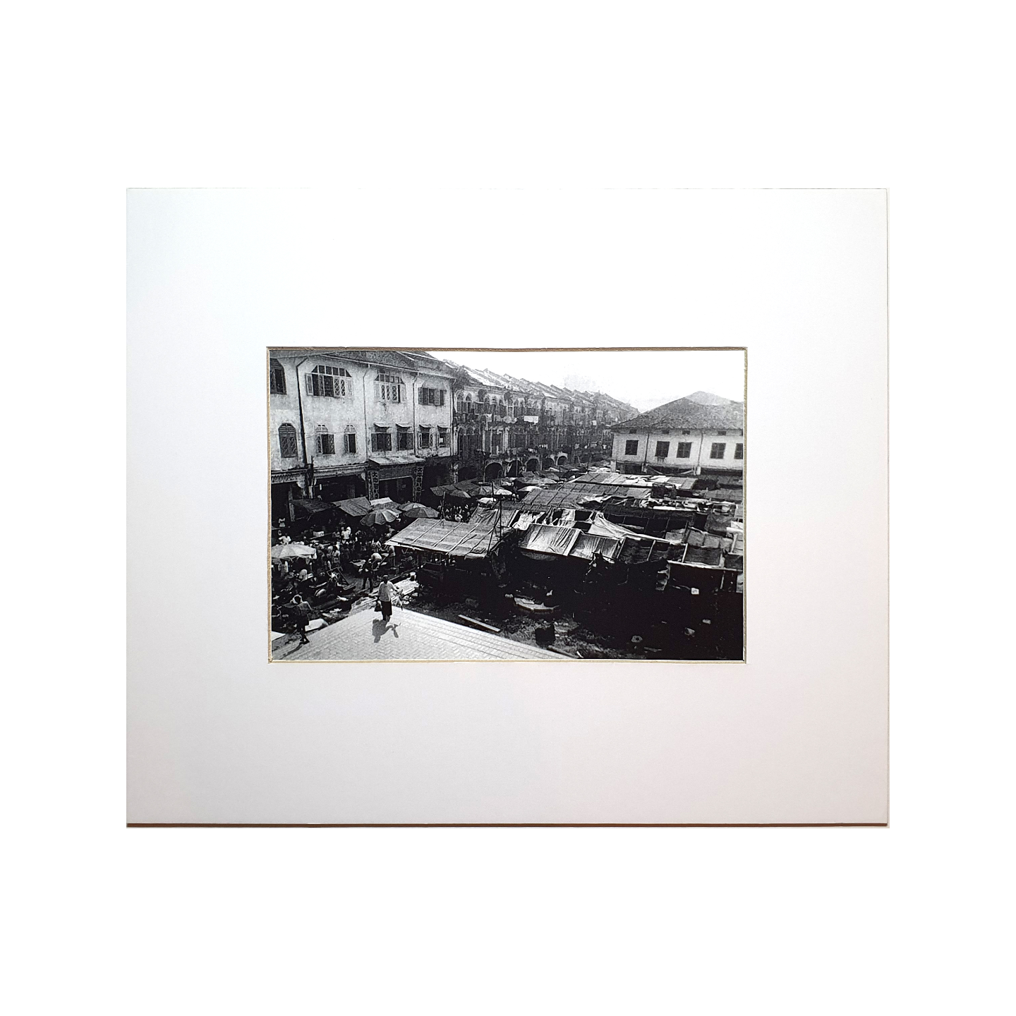 Photo Print: Smith Street 1940s by Yip Cheong Fun