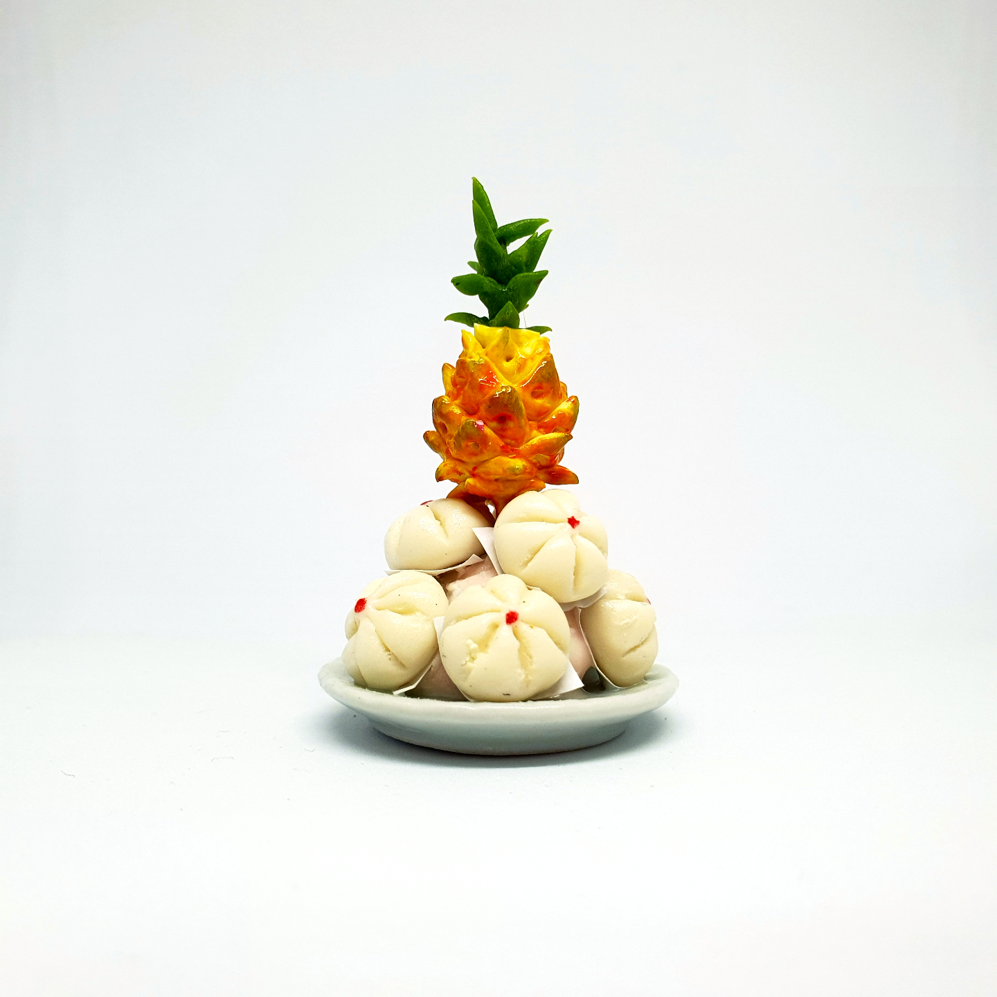 Handmade Miniature: Auspicious Bun & Pineapple Set (包山旺) by Madam Ang Miniature World