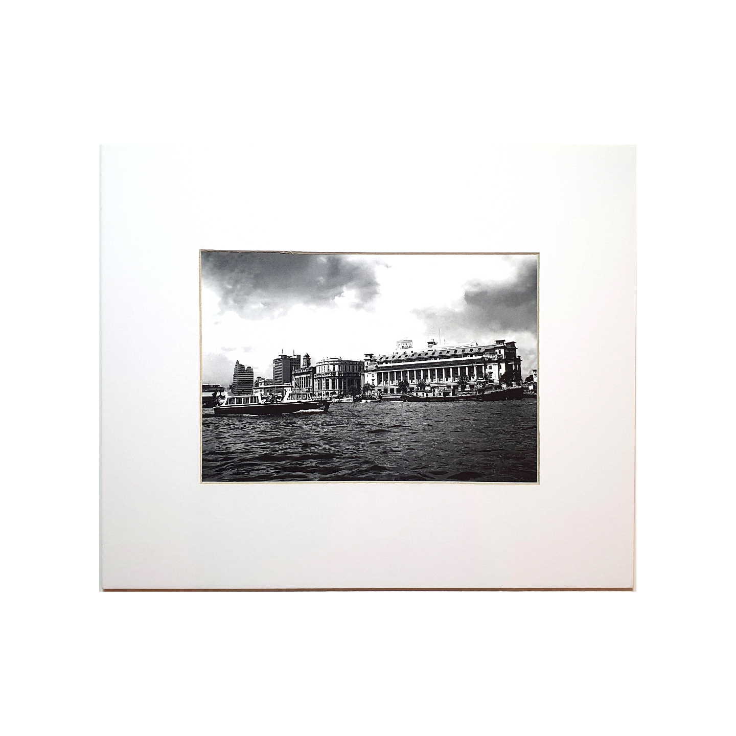 Photo Print: Fullerton Building & Seafront by Yip Cheong Fun