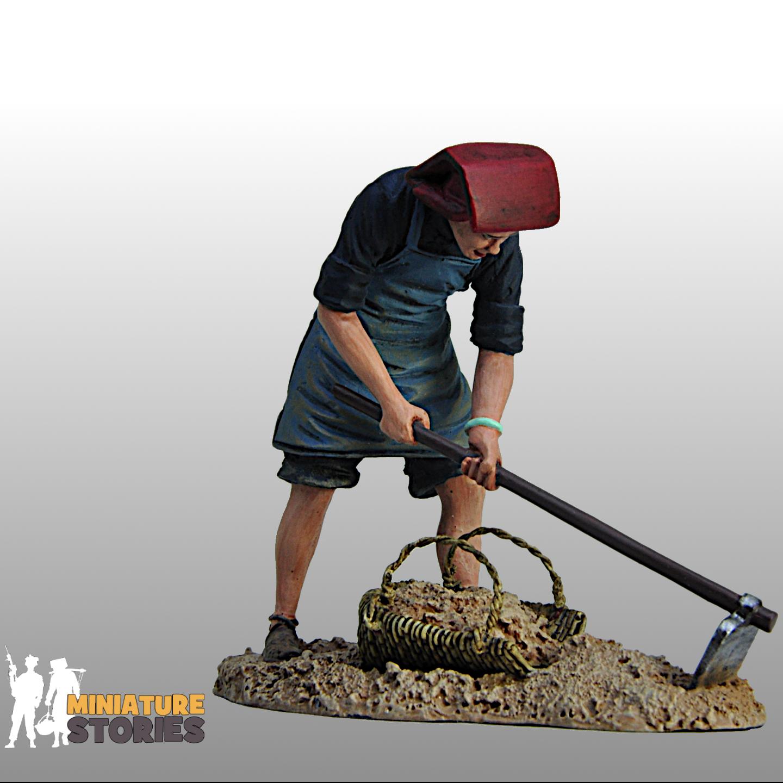 Samsui Woman Clearing Soil Figurine