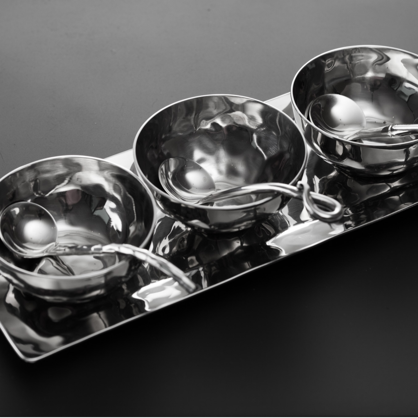 Condiment Set with 3 bowls and spoons