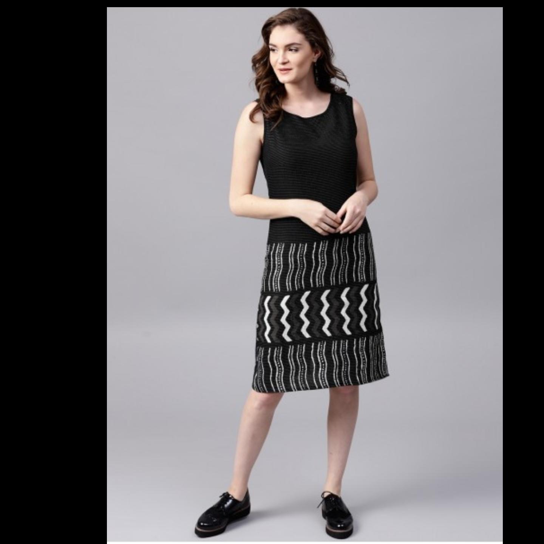 Black & White Kantha Work Sleevless Dress