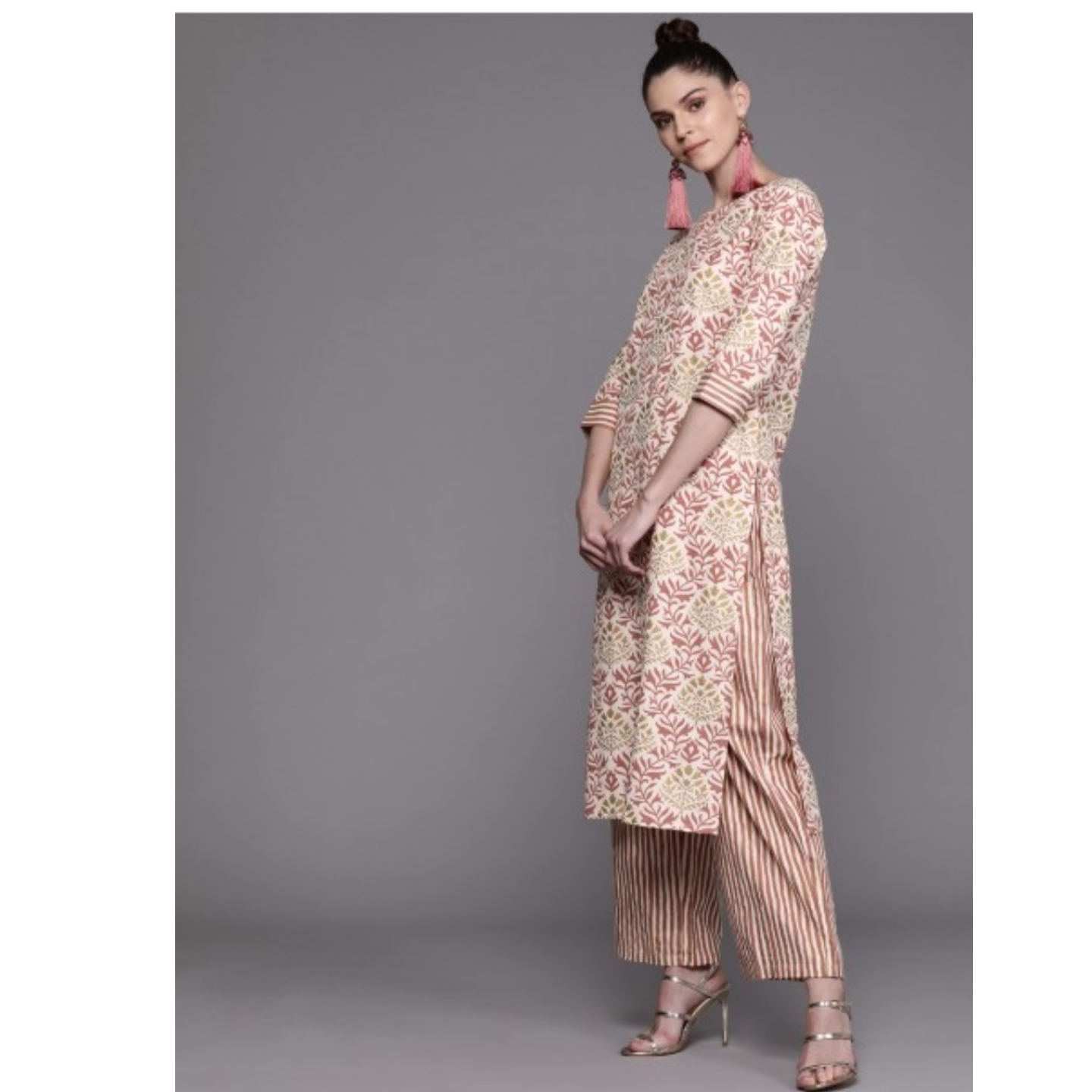 Off-White & Dusty Pink Printed Kurta With Palazzos & Dupatta