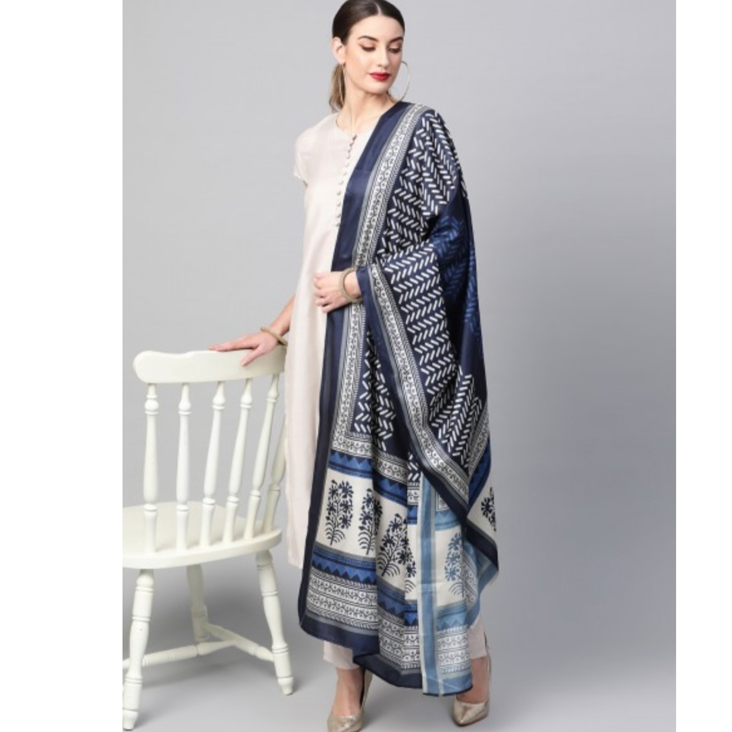 Off White Solid Kurta Set With Digital Printed Dupatta