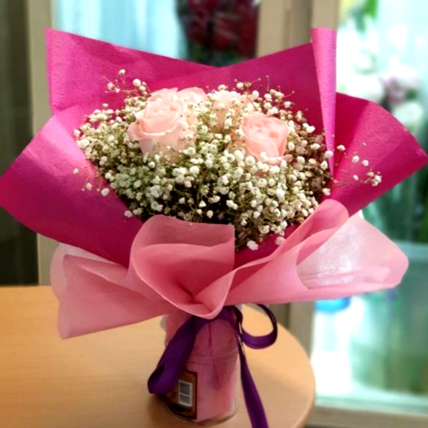 Vflowers ( 6 Red or Pink Roses ) With Baby's Breath