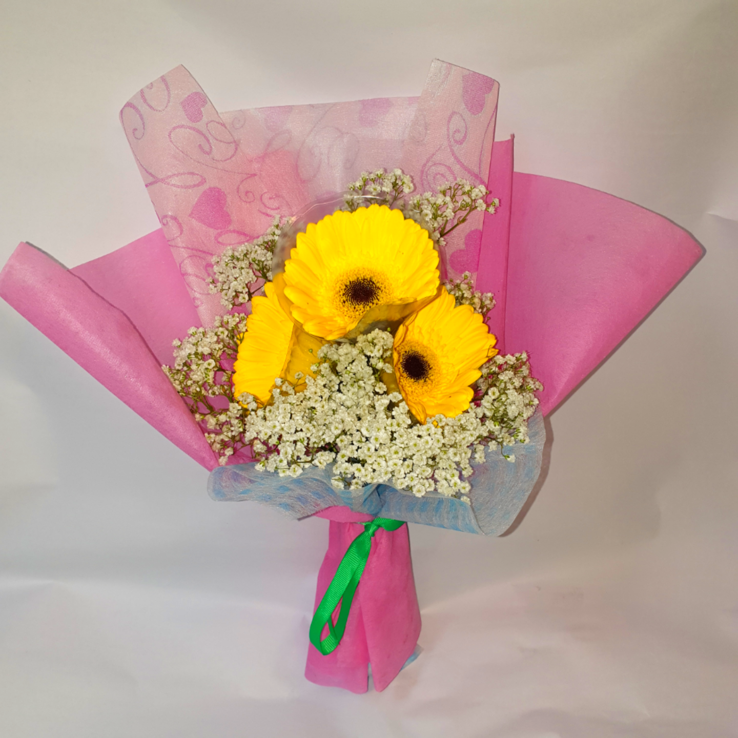 (NEW) Vflowers ( 3 Shocking Pink or Yellow Gerbera ) With Baby's Breath