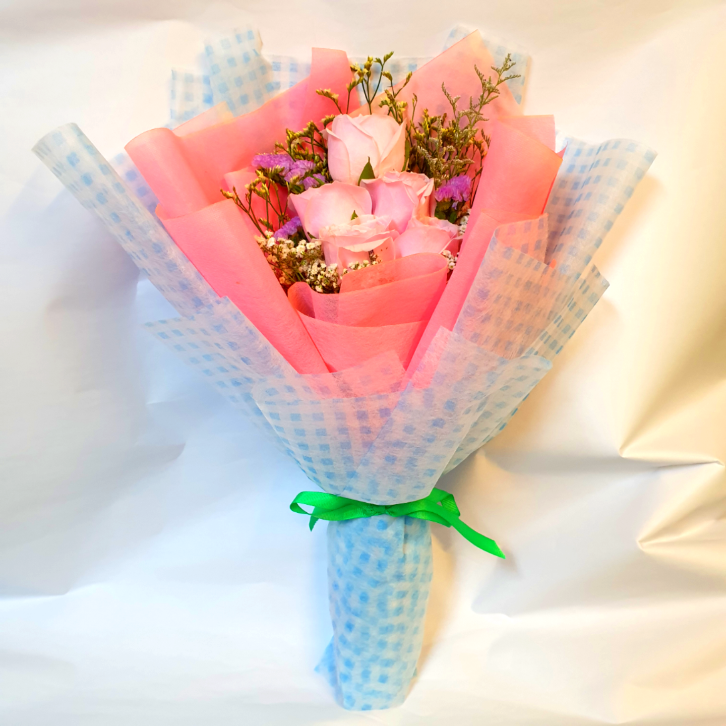 Vflowers ( 12 Red or Pink Roses )