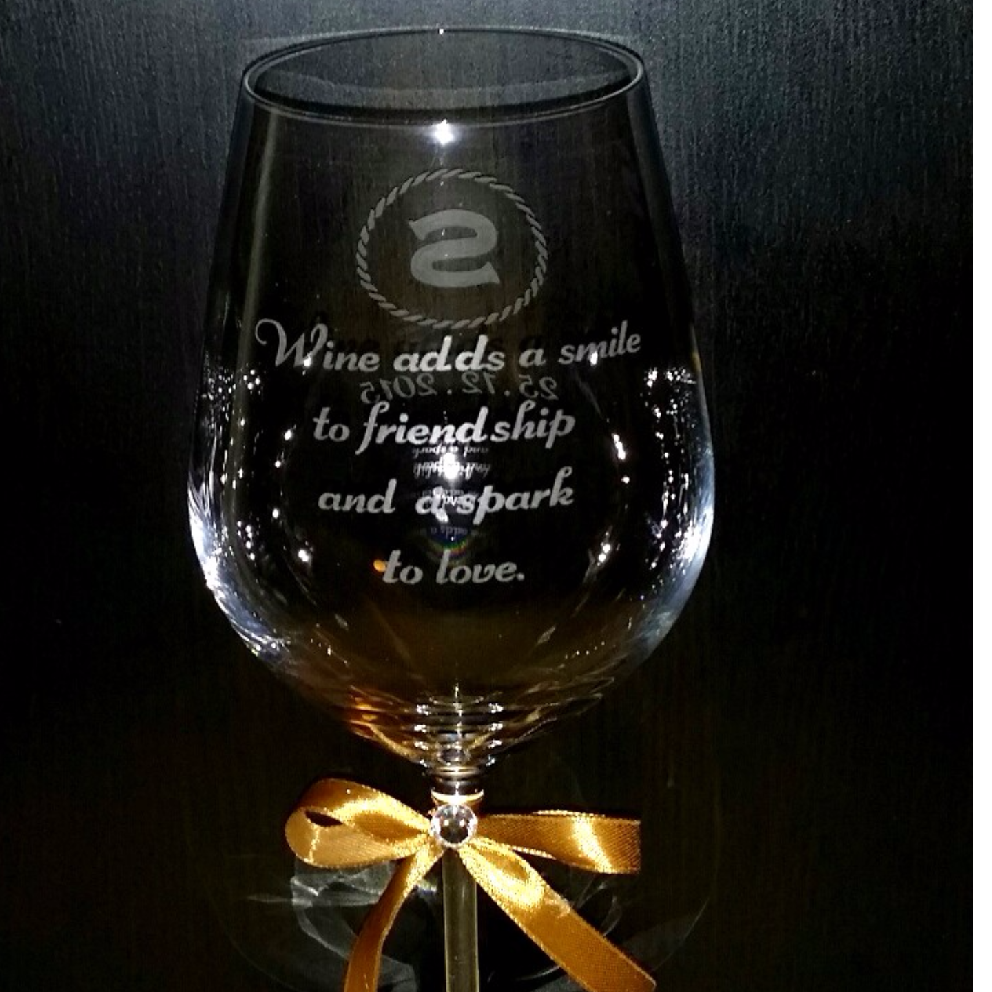ENGRAVED PERSONALIZED MONOGRAM ON A CRYSTAL WINE GLASS (SMGEG-004WC)