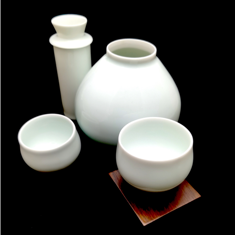 Green White Gourd-Shaped Hot Sake Pot