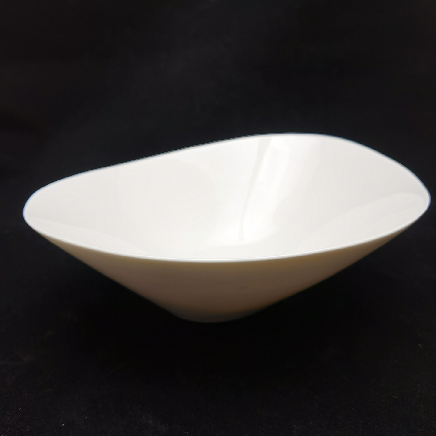 Bone China Free Loop Bowl-21cm
