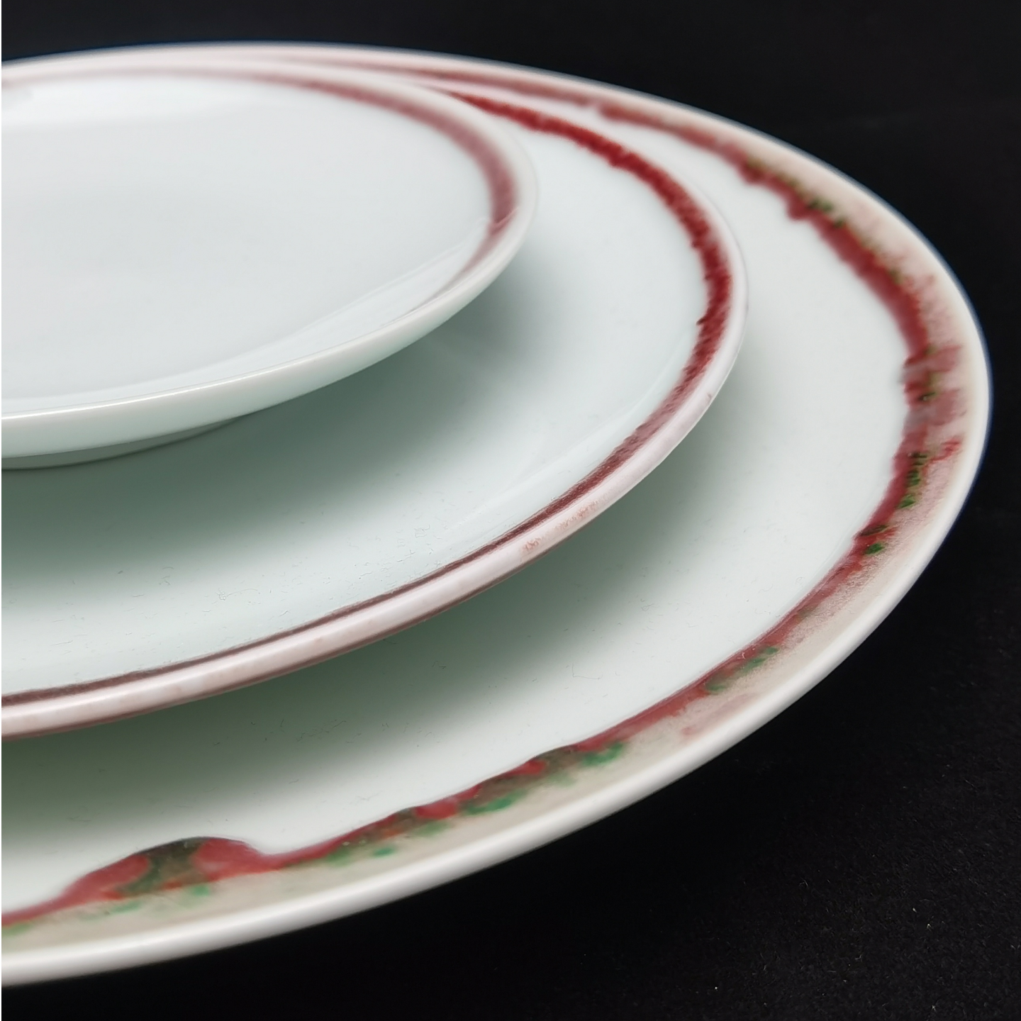 Under-glaze Red Basic Round Plates - (210mm)