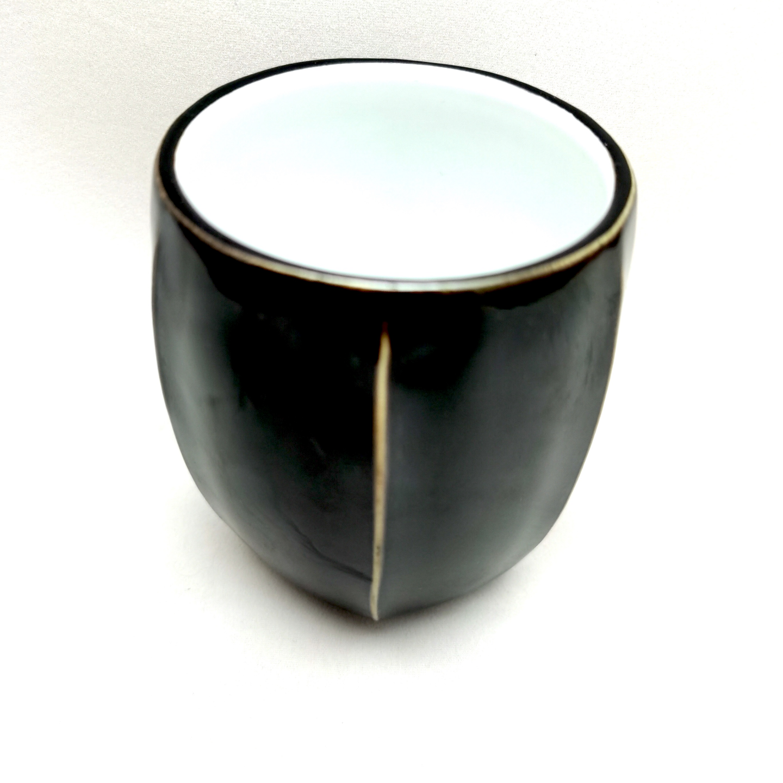 Black & White Six-Ridge Tea Cup Each