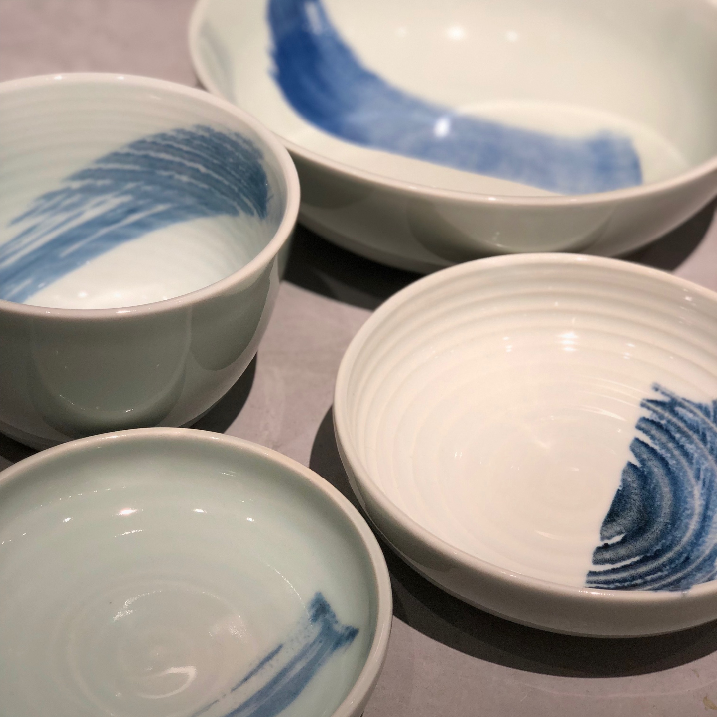 China Blue Brush Stroke Footless Bowl (180mm)