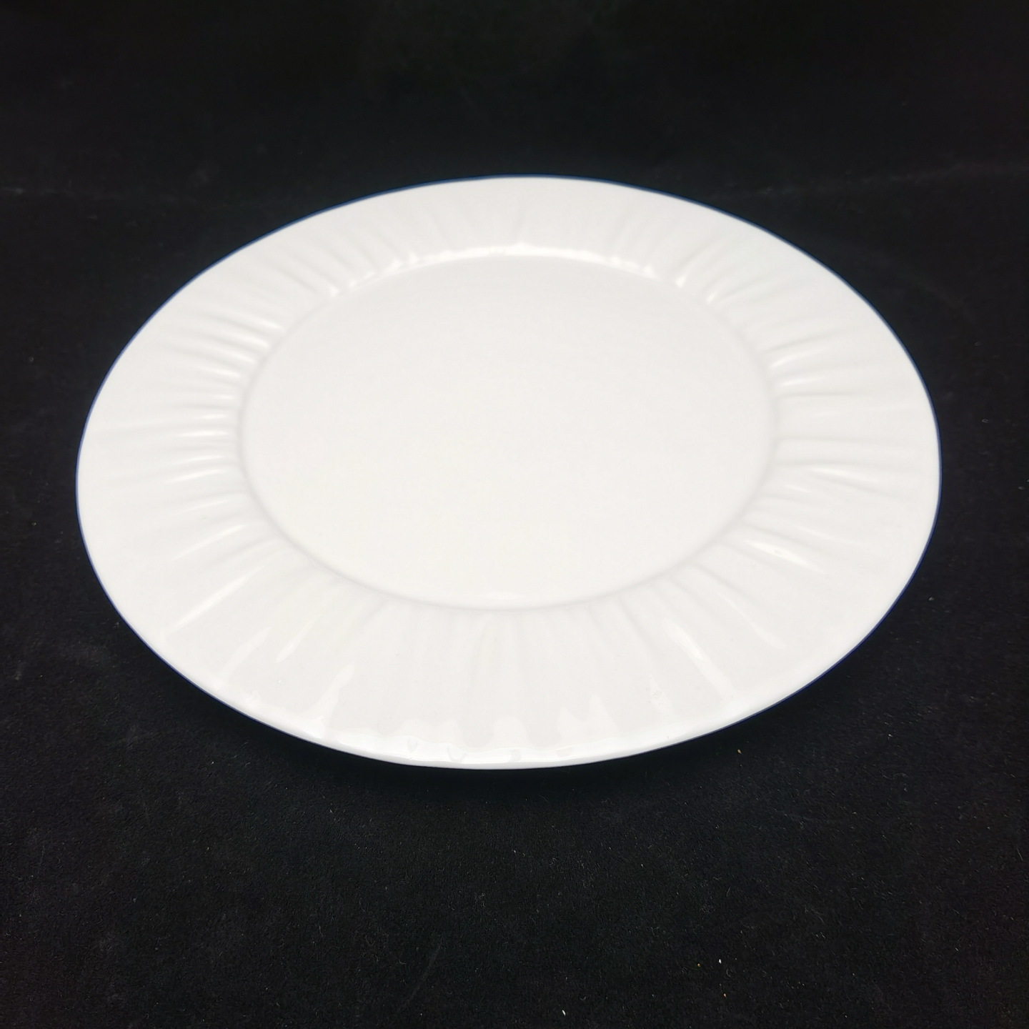 Lace Reinforced Round Plates (270mm)