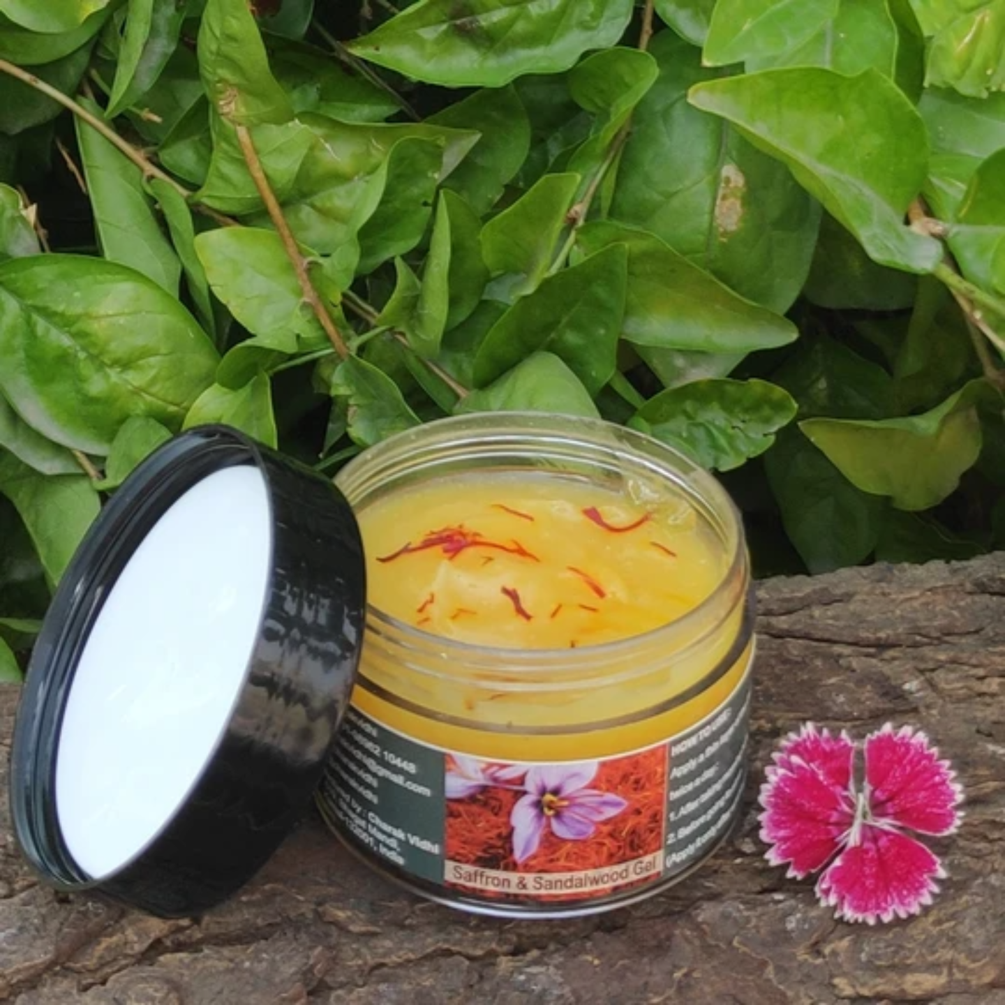 Saffron and Sandalwood Gel