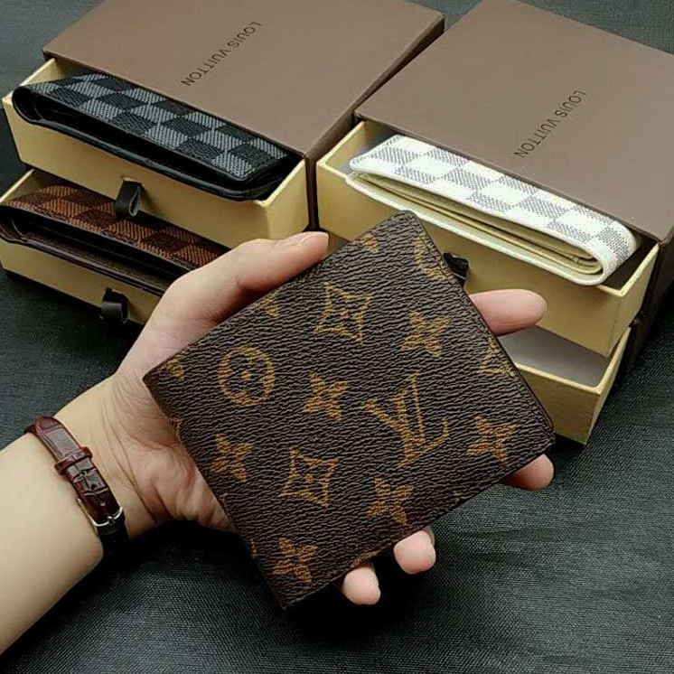 Lv men's short wallet