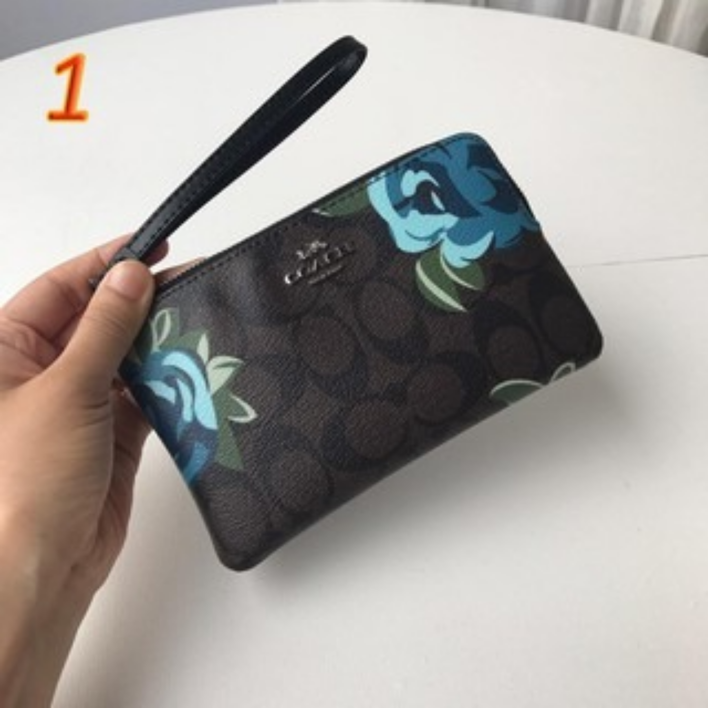 Womens wrist bag F39180 clutch bag