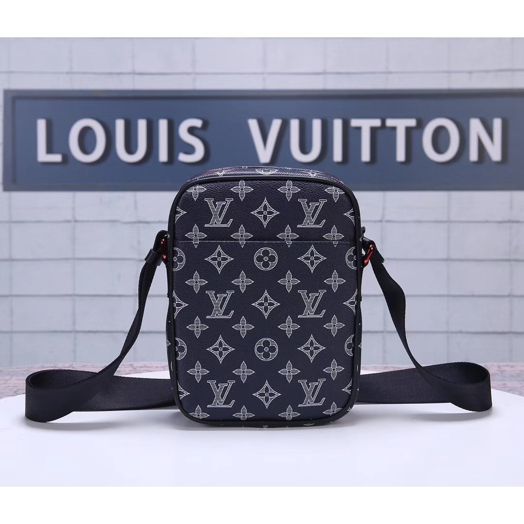 Lv Women or man crossbody bag