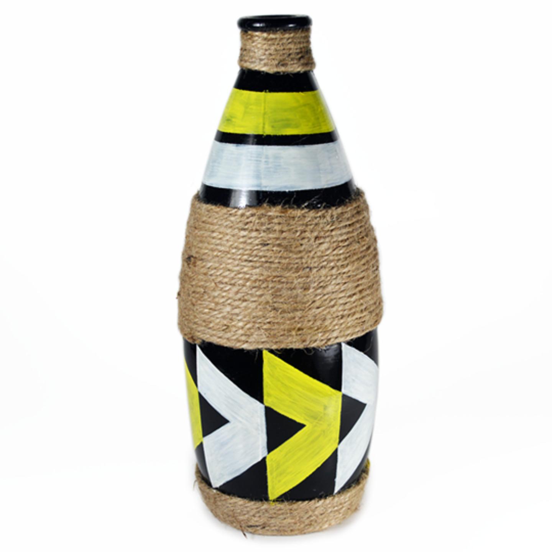 Lemmon yellow, black & white colour bottle
